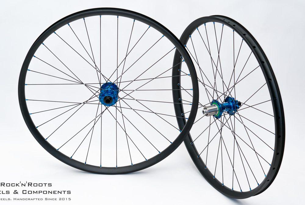 "29"" DT Swiss FR 560 / Hope Pro 4 (Shimano Stahl) / Sapim Race gebunden & gelötet / 2289g"