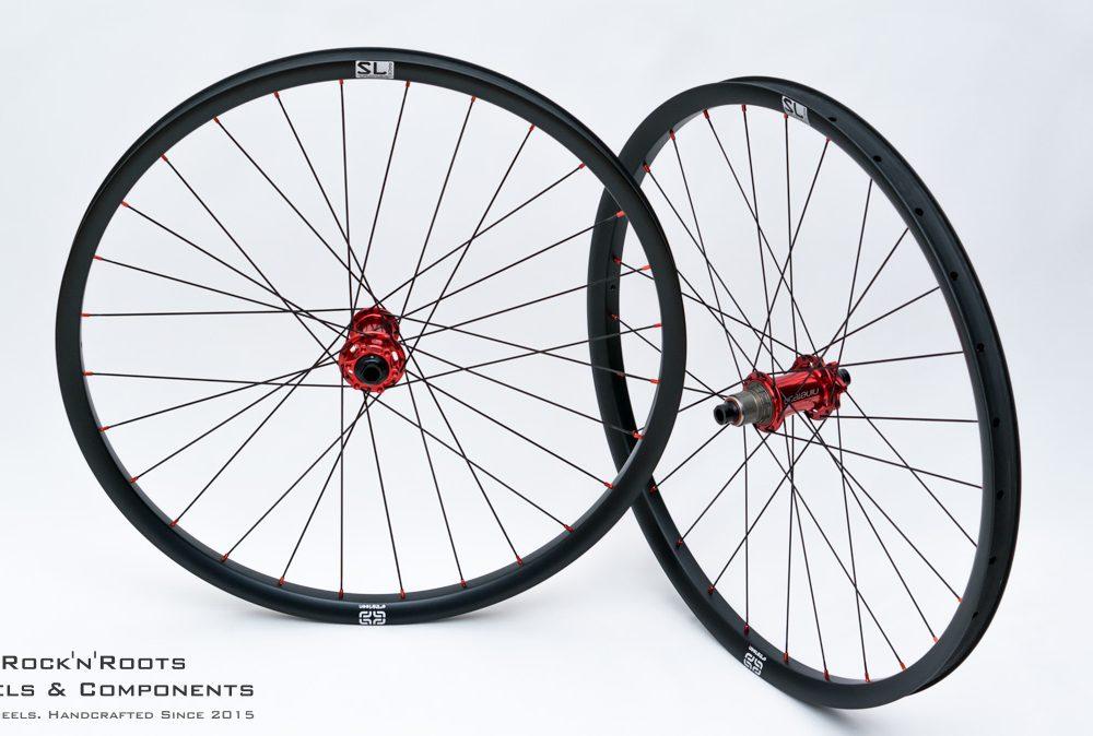 "27.5"" e*thirteen TRS Race SuperLight / Acros Nineteen ED / Sapim CX-Ray / 1475g"