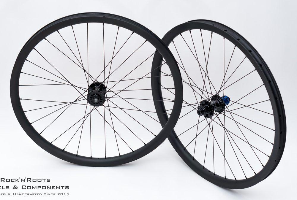 """27.5"""" Light Bicycle Carbon 34/28 / Tune King + Kong / Sapim D-Light / 1475g"""
