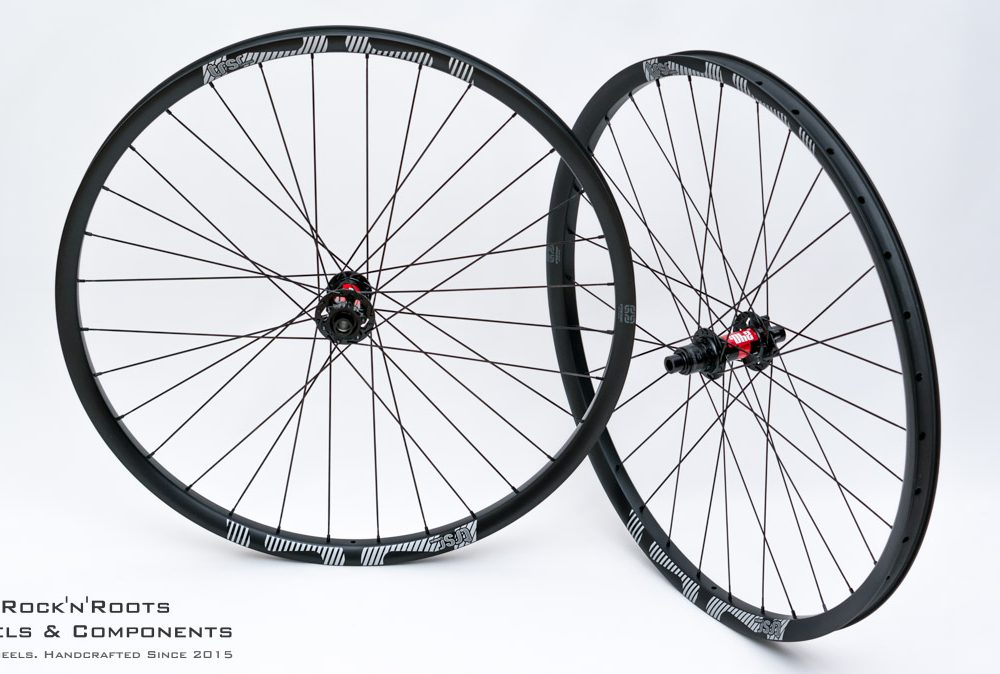 "29"" E13 TRS Race Carbon / DT Swiss 240 / Sapim CX-Ray / 1610g"